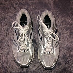 Men's Brooks Addiction Walker shoes Size 11.5 Wide